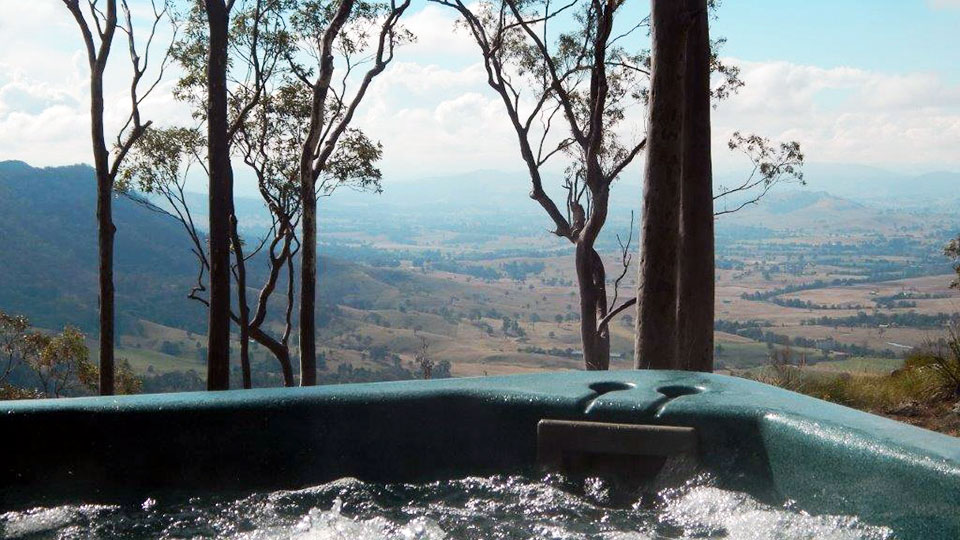 Spa with outlook to valley at Kangaloo